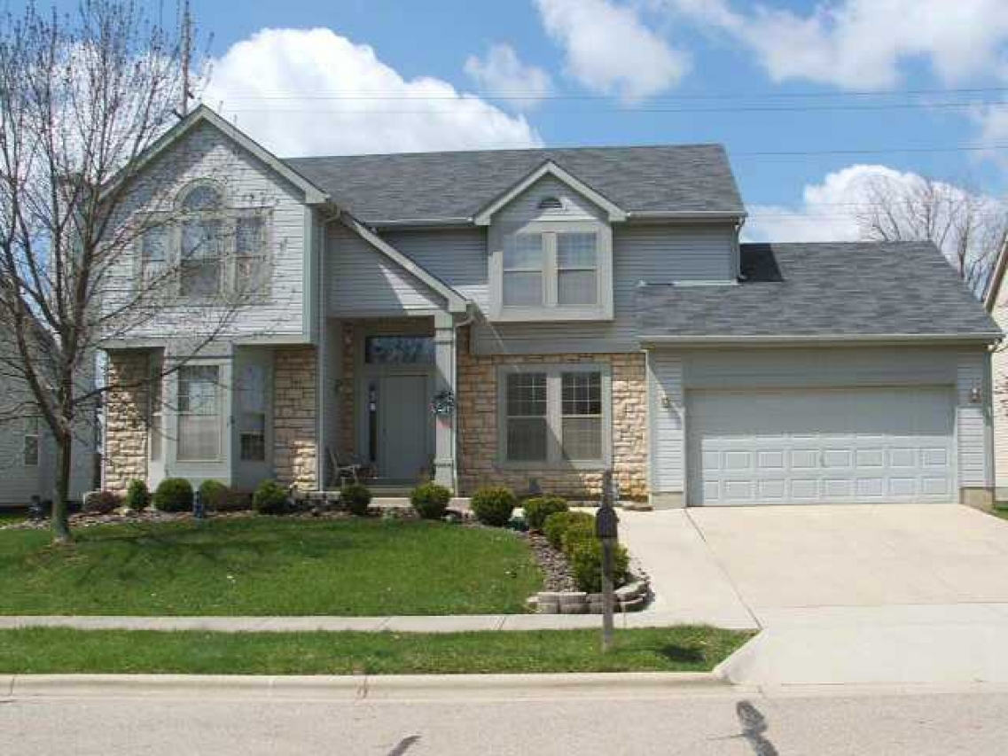 Explore the homes for sale in Summitview Woods in Powell, OH